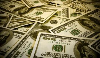 Dólar nas alturas! O governo deve intervir?