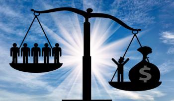 Bolsa Família ou renda mínima universal: qual o melhor programa?