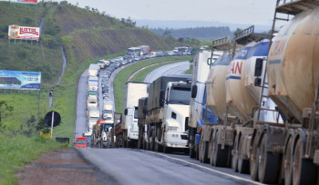 Greve dos caminhoneiros: por que o governo cedeu?