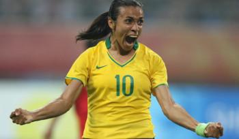 Por que a Marta ganha menos se é melhor que o Neymar?