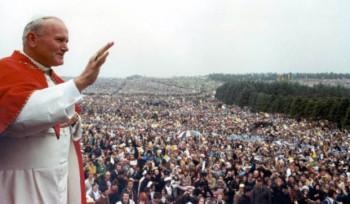 Visita de João Paulo II fez mais brasileiras engravidarem?