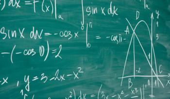 Por que professores corrigem provas?